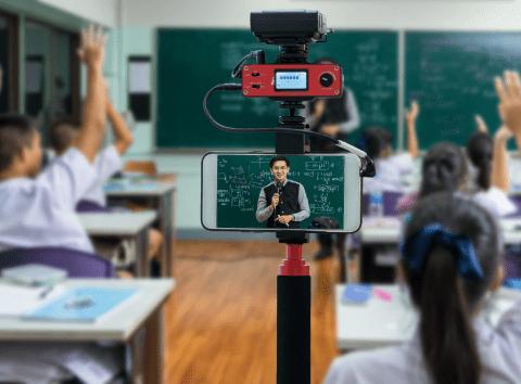 Sınıf içi eğitimler yerine, eğitim ihtiyaçlarınızı canlı yayınlarla halledin
